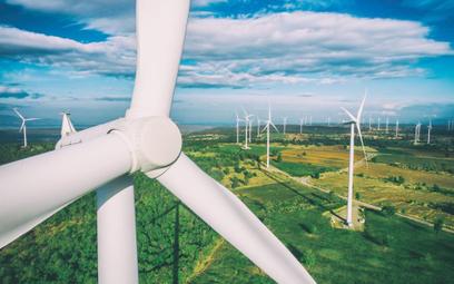 Zgoda Brukseli na pomoc dla 6 farm wiatrowych we Francji