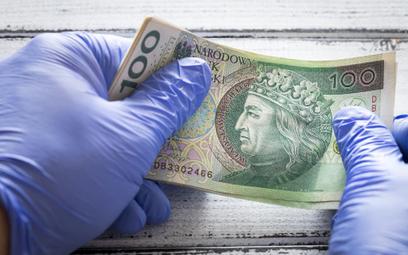 Koronawirus: dotacja na przestój lub do pensji