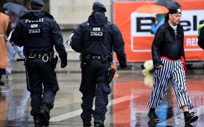 Co trzeci Niemiec akceptuje strzelanie do uchodźców