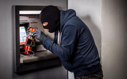 Wysadzili bankomat, pieniędzy nie ukradli. Banki inwestują w zabezpiecznia