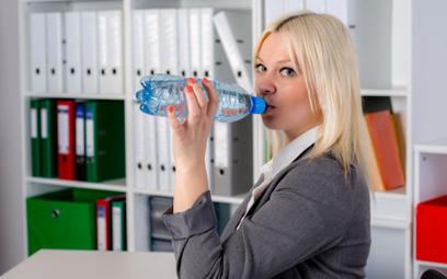 Obowiązek dostarczania wody pracownikom przez pracodawcę
