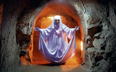W Chełmie na turystach największe wrażenie robią podziemia kredowe. Na zdjęciu figura Ducha Bielucha