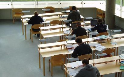 Przy rekrutacji na studia dyskryminowani są maturzyści, którzy nie zdawali matematyki