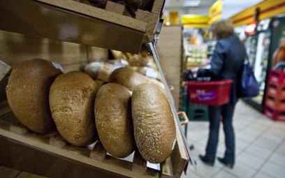 W ocenie ekspertów na obniżki cen chleba na razie nie ma szans.