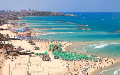 Plaża w Tel Awiwie jest jedną z najpiękniejszych nad Morzem Śródziemnym. Temperatura wody nie spada