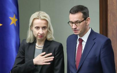 Teresa Czerwińska ma odejść z rządu na własne życzenie. Według spekulacji resortem finansów miałby p
