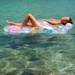 Część rodaków bierze zwolnienie lekarskie po czym udaje się wypoczywać na wakacjach.