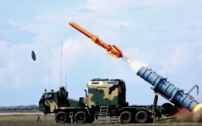 """Start rakiety """"Neptun"""" na poligonie Ałabej. Fot./youtube/Ołeksandra Turczynowa"""