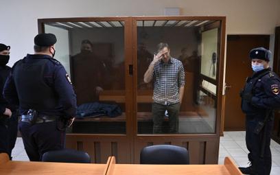 Nawalny prosi komisję o zastrzyki przeciwbólowe