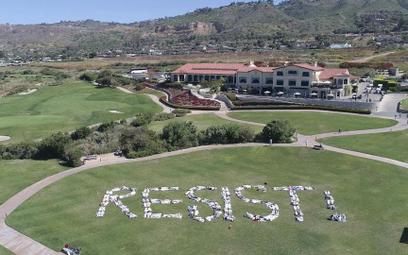 Protestowali przeciw Trumpowi na polu golfowym... Trumpa