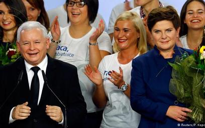 """Zwycięstwo PiS. """"Czarny dzień dla Merkel"""""""