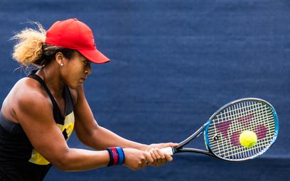 Styl prosto z kortów: tenis triumfalnie wraca do świata mody