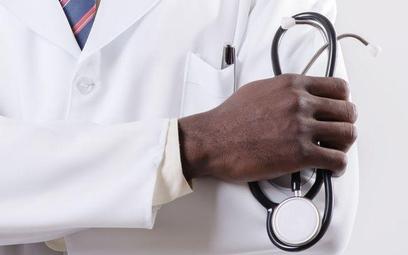 Samorząd lekarski: o informacje ws. klauzuli sumienia trzeba pytać lecznice