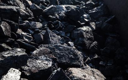 Góra rosyjskiego węgla wciąż rośnie. Tyle że wolniej niż rok temu