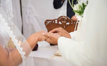USA: Po gwałcie 10-latka zmuszona do ślubu