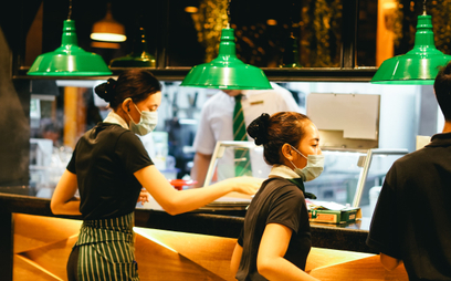 Antyszczepionkowcy wzięli na cel restauracje. Ataki w sieci