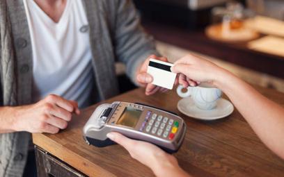 ZBP: Polacy wybierają szybkie i bezpieczne płatności