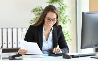 Samozatrudniony rozliczy się jak przedsiębiorca