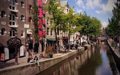 Władze Amsterdamu obawiają się, że turyści przyjeżdżają do miasta tylko, by imprezować, a nie zwiedz
