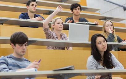 Najwięcej obcokrajowców studiuje na Wydziale Zarządzania, Wydziale Elektrotechniki iInformatyki ora