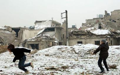 Tak wygląda Aleppo, którego część znajduje się w rękach zbrojnej opozycji bombardowanej obecnie inte