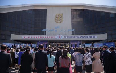 Korea Północna: Aby przetrwać, trzeba płacić łapówki