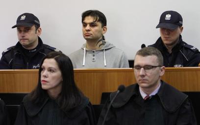 Martwego boksera znaleziono w celi, 2 sierpnia. Na łóżku, pod kocem z pętlą na szyi
