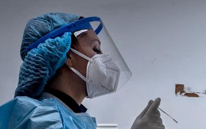 Rekordowy wzrost liczby zakażeń koronawirusem na Węgrzech