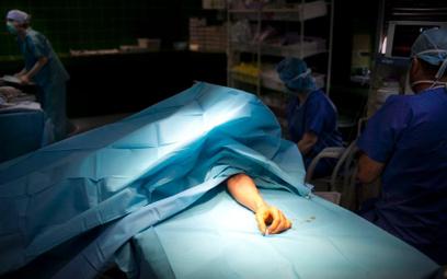 Koordynator przeszczepów pomylił przesyłki