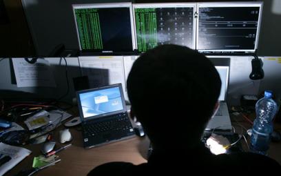 Cyfrowi hakerzy ukradli 60 mln dolarów