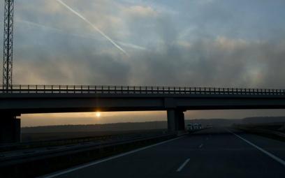 Kolejną umowę na budowę drogi ekspresowej S3 na terenie Dolnego Śląska podpisała Generalna Dyrekcja