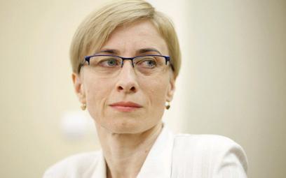 Gosiewska: Tusk przybijał żółwiki z Putinem