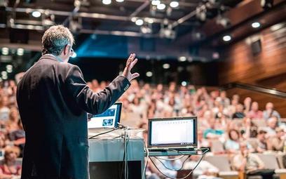 Na jesień planowanych jest wiele konferencji i kongresów odwołanych w ostatnim roku