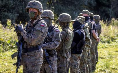 Błaszczak nagradza żołnierzy z granicy polsko-białoruskiej