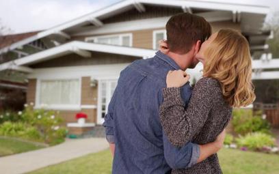 Małżonkowie powinni pamiętać o aspektach podatkowych sprzedaży nieruchomości