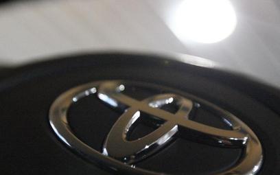 Toyota tnie prognozy