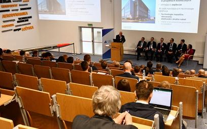 """Obrady """"Pierwszej Konferencji Rakietowej. Rozwój i zastosowania technologii rakietowych w Polsce"""", k"""