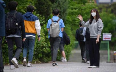 Korea Płd.: 32 nowe zakażenia, uczniowie wracają do szkół