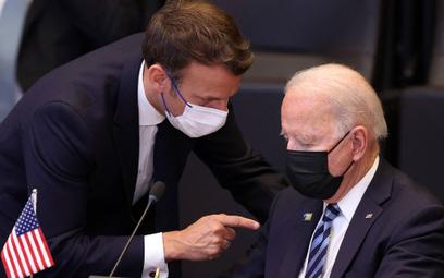 Emmanuel Macron i Joe Biden w czasie czerwcowego szczytu NATO w Brukseli