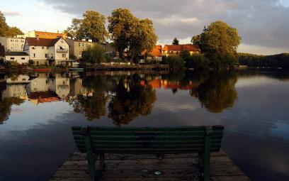 W południe nad Łagowem rozbrzmiewa gminny hejnał.
