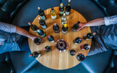 Wino wegańskie: skąd bierze się jego popularność?
