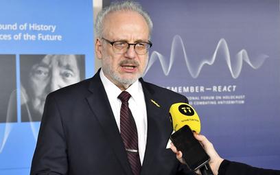 Prezydent Łotwy zakażony koronawirusem. W lutym się zaszczepił