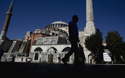 Turcja znosi konieczność testowania dla zaszczepionych