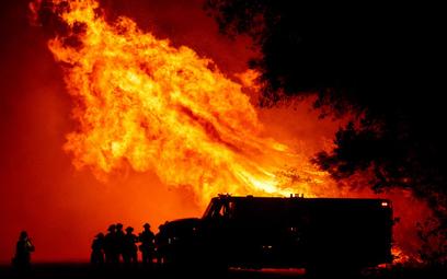 Pożary w USA: Setki tysięcy ewakuowanych, 15 ofiar