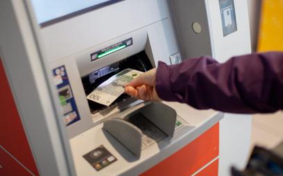 Bankomaty znikają z ulic polskich miast