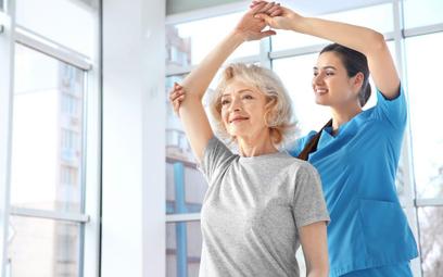 Życiowe ryzyko złamania osteoporotycznego u kobiet wynosi aż 46,6 proc.