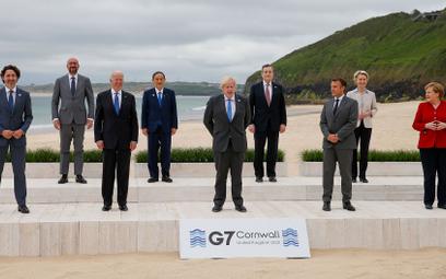 Państwa G7 obiecują przekazać ponad miliard dawek szczepionek na COVID-19