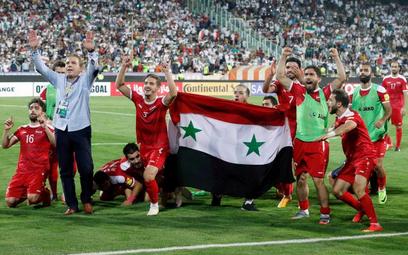 Syryjczycy świętują po zwycięskim remisie z Iranem 2:2
