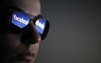 Podanie innej osobie hasła do Facebooka nie oznacza zgody na czytanie prywatnej korespondencji