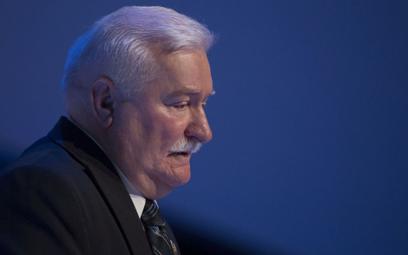 Lech Wałęsa: Jarosław Kaczyński wystawił brata w Smoleńsku